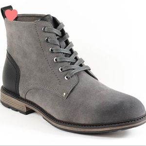 MENS gray suede chukka boot NEW